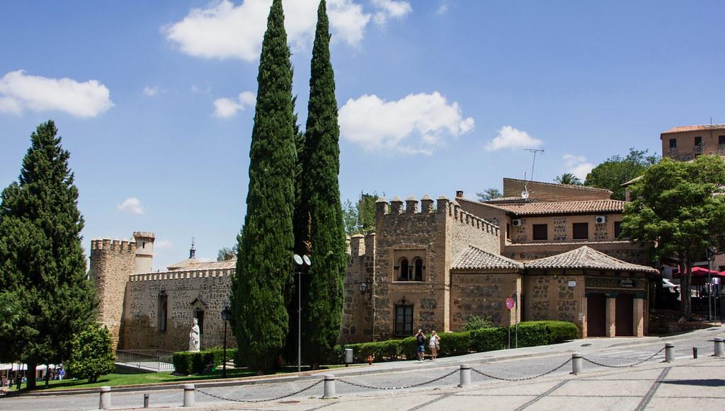 Plaza de San Juan de los Reyes Toledo 01