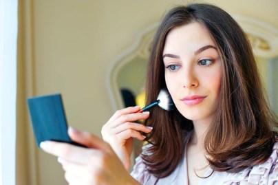 Tips Make Up Sederhana, Untuk Menyamarkan Noda Jerawat