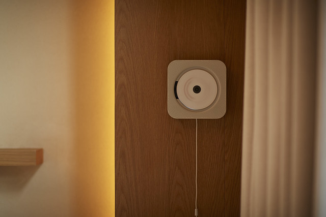 MUJI HOTEL SHENZHEN CD player 无印良品酒店·深圳_客房细节-壁挂式音响