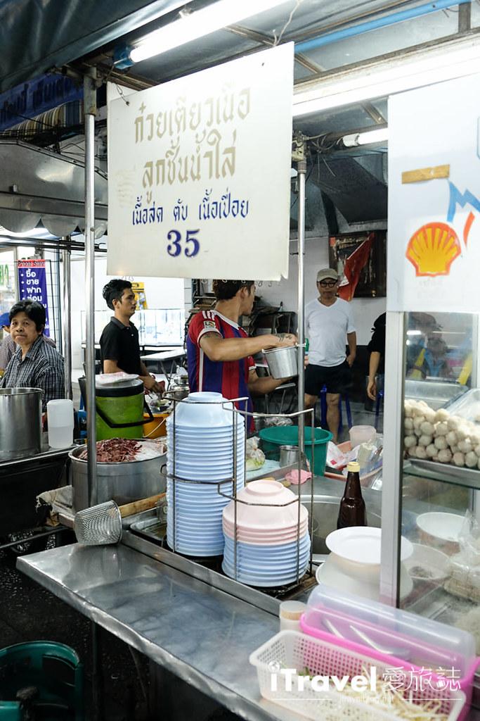 曼谷夜市推荐 查龙四夜市Chok Chai 4 Night Market (5)