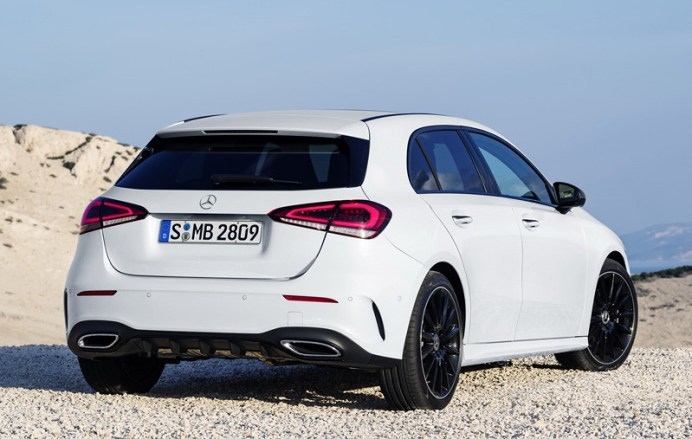2019-Mercedes-Benz-A-Class-Hatch-16