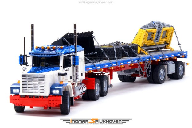 Truck T2 MkII v2.0 with Trailer Tr10b