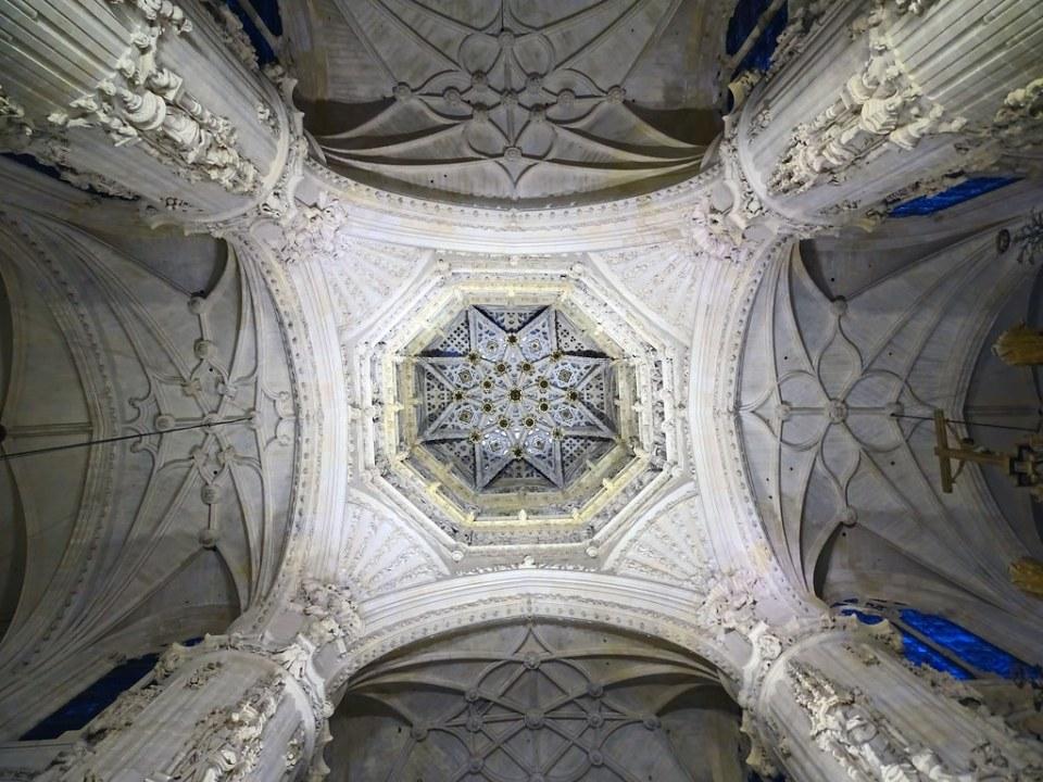 Catedral de Burgos Crucero interior de cimborrio 01
