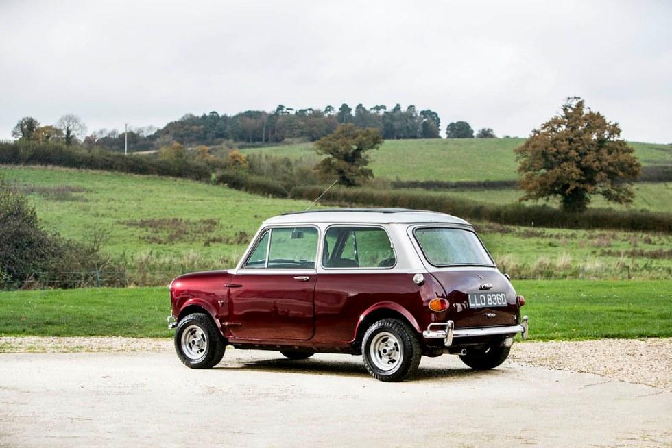 Aston-Martin-DB5-Mini-Cooper-11