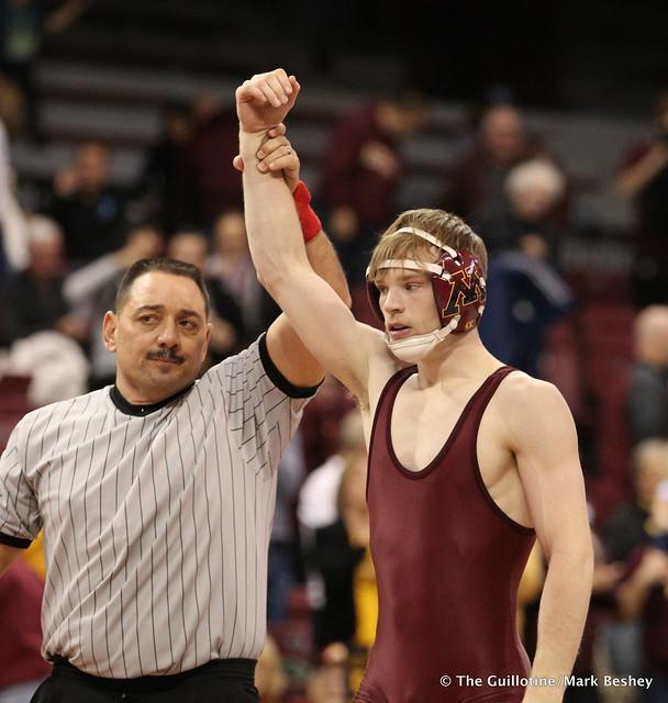 125 #5 Ethan Lizak (Minnesota) tech fall Sean Williams (Fresno State) 19-2 - 171210AMK0219