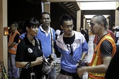 brunei_bandar-seri-begawan_volunteer-discussing-some-logistic-matters-during-the-night_armiehu_6886210564_o
