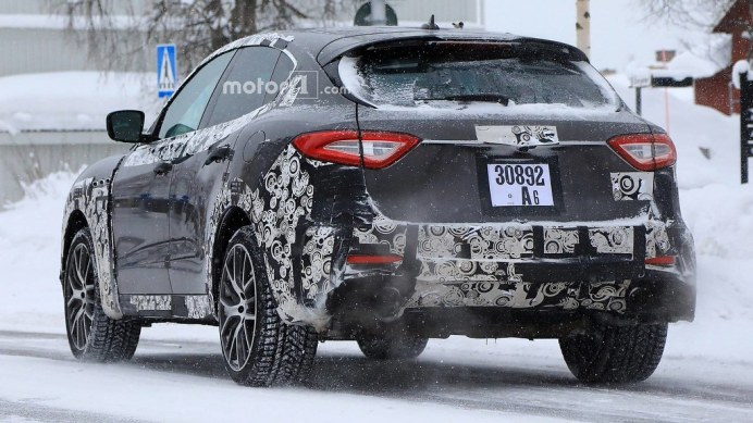 2019-maserati-levante-gts-spy-photo3