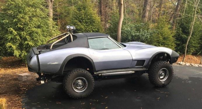 1976-Chevrolet-Corvette-2