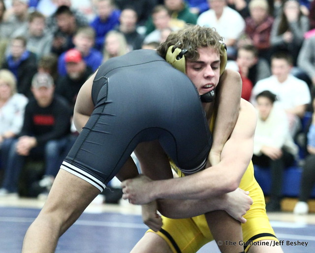145: Nate Larson (Apple Valley) over Antonio Everett (Simley), fall 0:53. 180202AJF0118