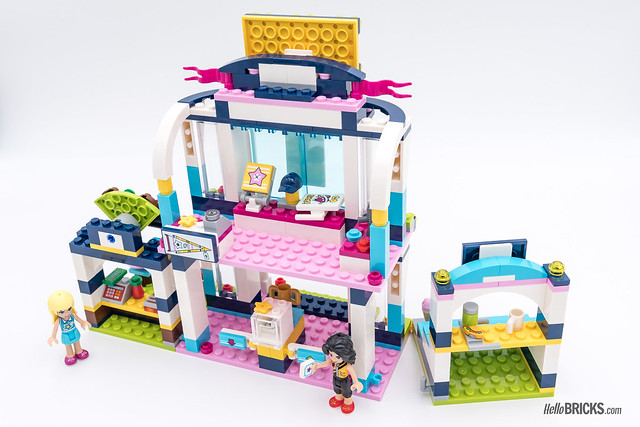 REVIEW LEGO Friends 2018 - LEGO 41338 Stephanie's Sports Arena back