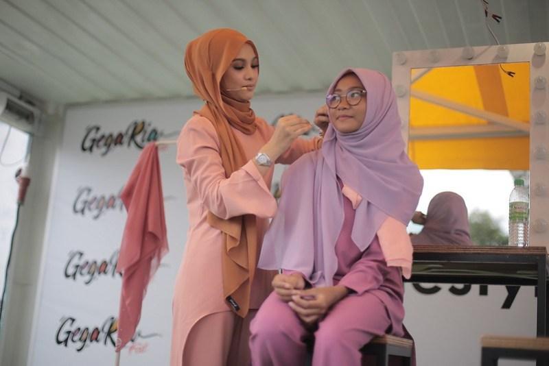 Tutorial Hijab bersama Nabila Razali