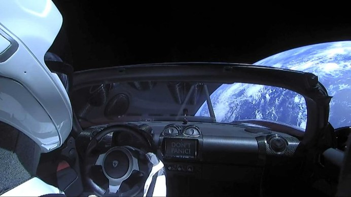 tesla-roadster-in-space