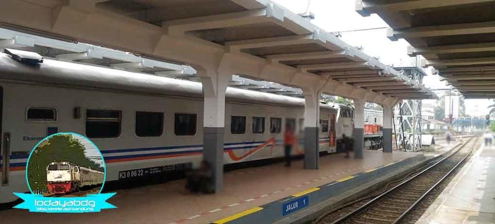 Siang Kereta Api Patas Bandung Raya, Malam Kahuripan