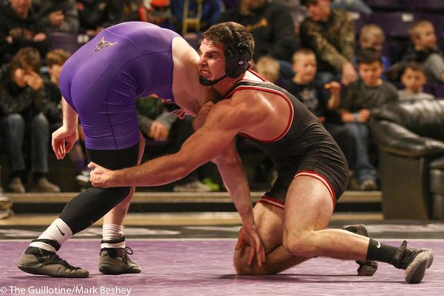 197: #9 Matt Blome (MSU) Dec. over #6 Vince Dietz (SCS) 5-1 | MSU 13-9 SCS - 180203amk0186