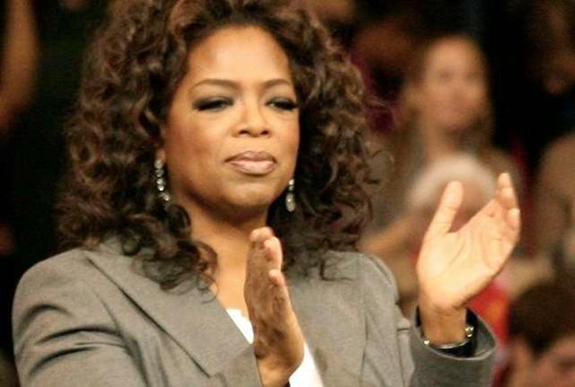 """Oprah nutriu no coração de cada menina e de cada mulher que a assistiu a esperança de que """"um novo dia está no horizonte"""" - Créditos: Wikimedia Commons"""