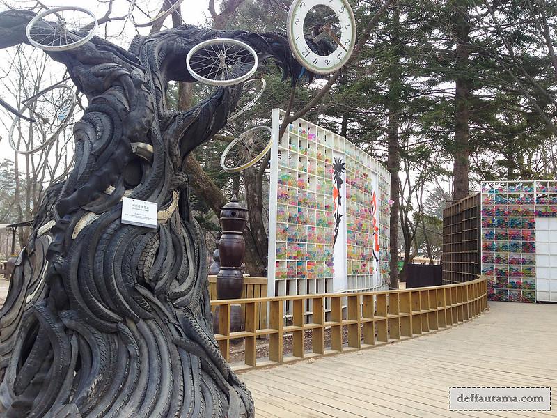 Nami Island - Tire Tree