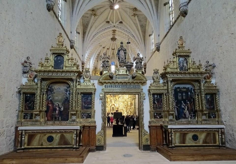 Nave y trascoro interior Iglesia Cartuja Santa Maria Miraflores Burgos 06