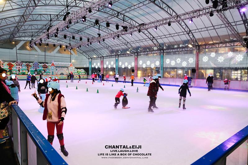 【 冬季限定專文 】今年冬天絕對不能錯過的露天冰場-中國信託金融園區戶外滑冰場 @ CHANTAL.L :: 痞客邦