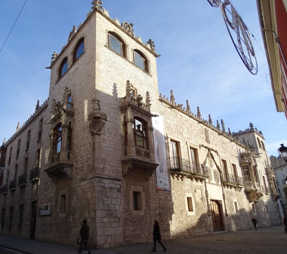 Burgos Casa del Cordon 03