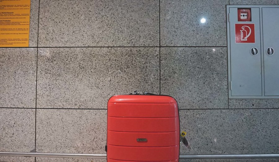 Heys Luggage EOS lightweight Spinner