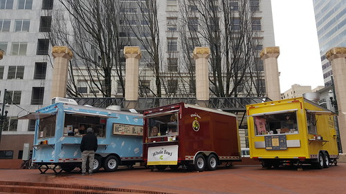 pioneer courthouse square food carts