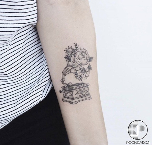Source: poonkaros | #tattoo #tattoos #tats #tattoolove #tattooed #tattoist #tattooart #tattooink #tattooideas #tattoogallery #tattoomagazine #tattoostyle #tattooshop #tattooartist #inked #ink #inkedup #inkedlife #inkaddict #art #instaart #instagood #lifes