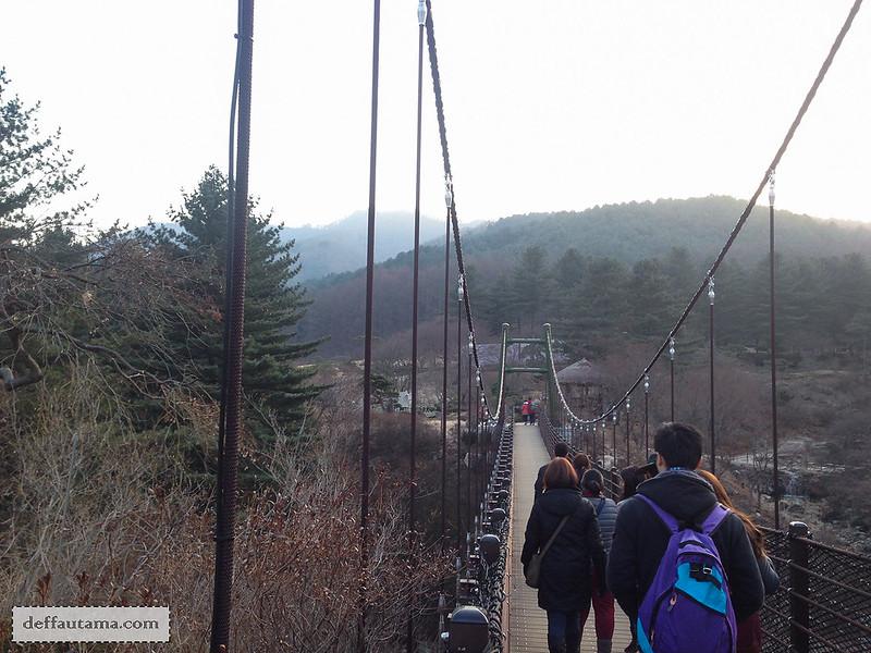 Garden of The Morning Calm - Cloud Bridge