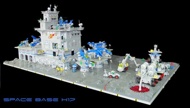 Space Base H17 (2)