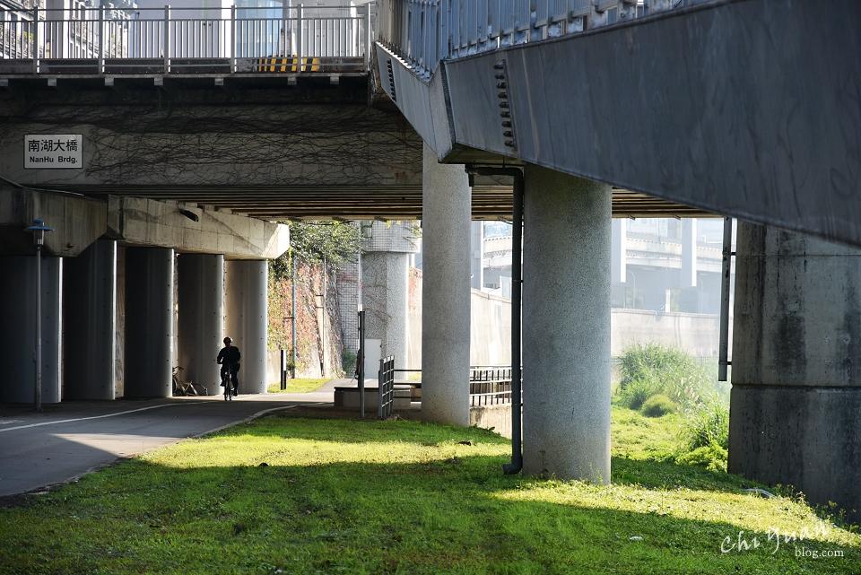基隆河畔自行車道16.JPG