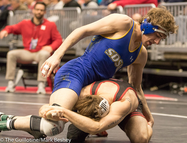 157 Cons. Round 5 - Tyler Berger (Nebraska) 26-9 won by decision over Luke Zilverberg (South Dakota State) 33-10 (Dec 6-0) - 180316bmk0472