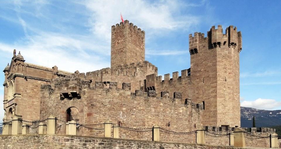 Exterior Castillo de Javier Navarra 04