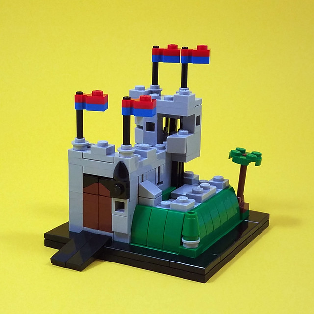 LEGO 6081 King's Mountain Fortress microscale