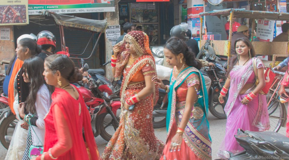 A newly married bride walking to the temple