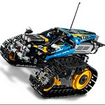 LEGO Technic 42095 Remote Controlled Stunt Racer 3