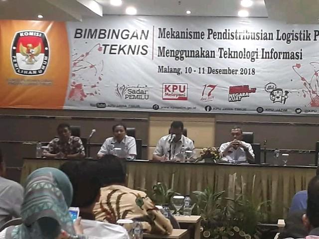 Suasana Bimtek KPU kabupaten/kota se-Jatim terkait mekanisme pendistribusian logistik Pemilu 2019 di Malang (11/12)
