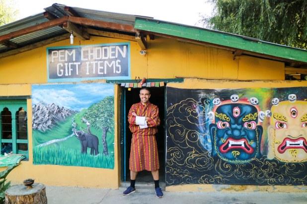Traje tradicional de Bután