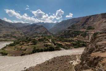 Wel jammer, want het Afghaanse landschap ziet er wel mooi uit.