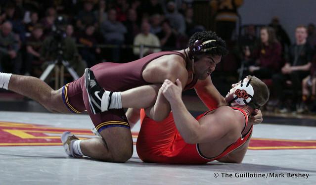 285: #5 Gable Steveson (Minnesota) dec. #3 Derek White (Oklahoma State) 8-2. 181118AMK0230