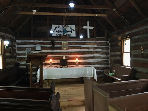 Gravenhurst - inside the littel church