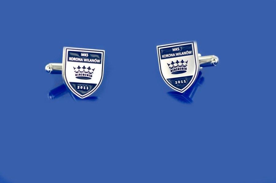 spinki z logo klubu sportowego