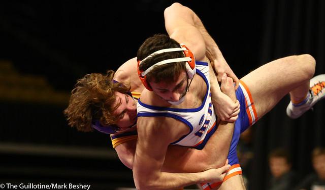 165: Logan Saltou (MSU) wins a 6-0 decision vs. Austin Eichmann (UMARY) | 18-12 MSU - 190125mke-0086