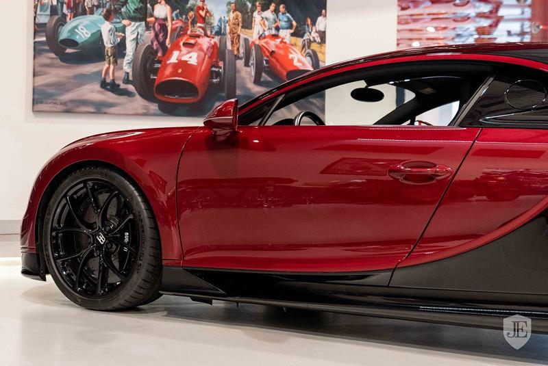 4c5a8dc2-bugatti-chiron-for-sale-10