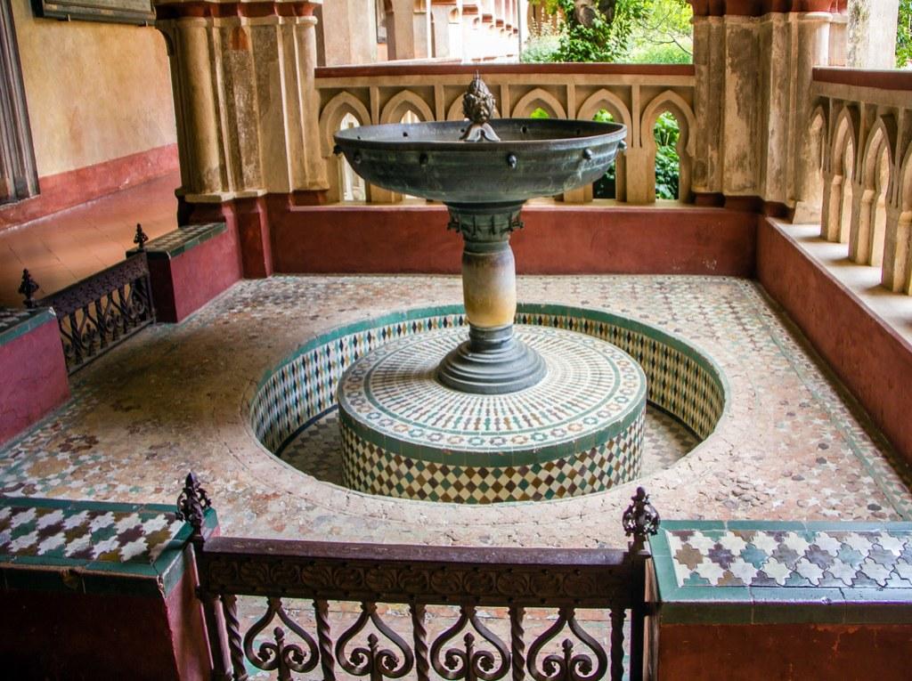Lavatorio Claustro mudejar Real Monasterio de Santa Maria de Guadalupe Caceres