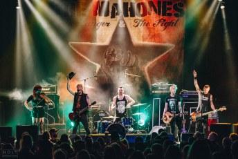 Mahones -8