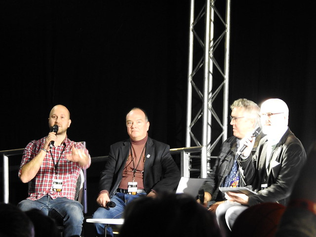 Firestorm panel - MCM Comic Con - Sam Payne Picture 9