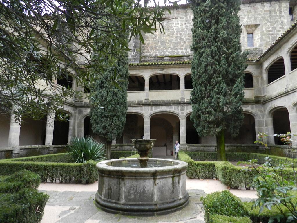 claustro gotico Monasterio San Jeronimo de Yuste Cuacos de Yuste Caceres 03