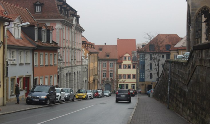 The street next to Oberre Pfarre