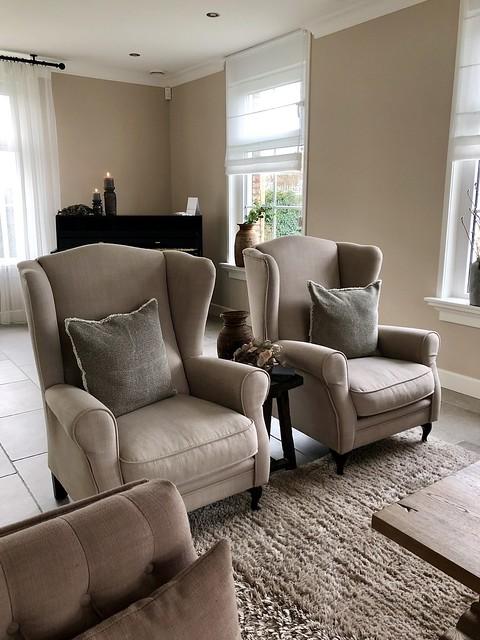 Beige fauteuils landelijk