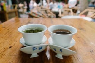 Drinking tea in Heming Teahouse, Chengdu, Sichuan
