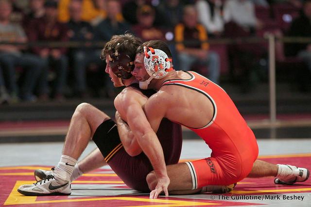 125: #4 Nick Pinccininni (Oklahoma State) dec. #5 Sean Russell (Minnesota) 3-0. 181118AMK0007